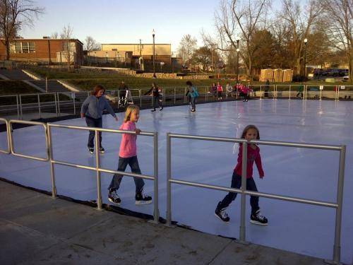 Community Skate on Outdoor Synthetic Ice