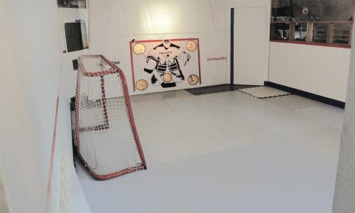 hockey shooting training with synthetic ice
